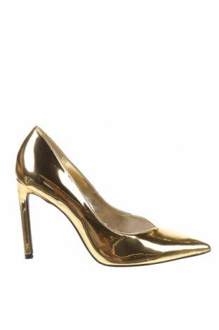 Дамски обувки Bershka, Размер 37, Цвят Златист, Еко кожа, Цена 22,42лв.