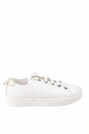Дамски обувки Stradivarius, Размер 41, Цвят Бял, Еко кожа, Цена 32,45лв.