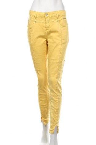 Pantaloni de femei Cream, Mărime M, Culoare Galben, 65% bumbac, 34% poliester, 1% elastan, Preț 424,34 Lei