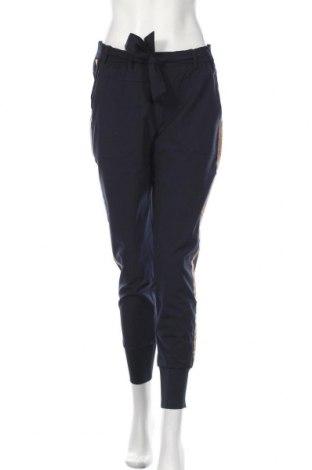 Pantaloni de femei Kaffe, Mărime M, Culoare Albastru, 68% poliester, 28% viscoză, 4% elastan, Preț 358,55 Lei