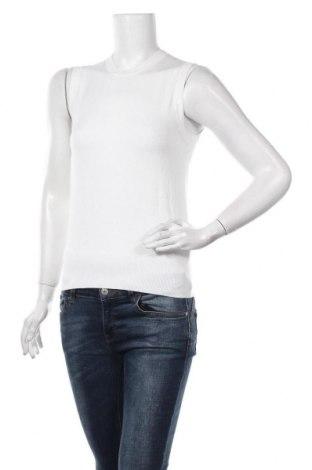 Дамски пуловер Zara, Размер S, Цвят Бял, 83% вискоза, 15% полиамид, 2% еластан, Цена 28,60лв.
