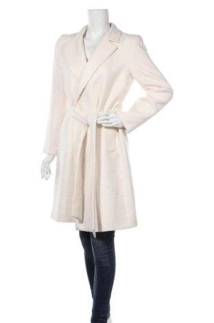 Дамско палто Zara, Размер M, Цвят Екрю, 65% полиестер, 35% вискоза, Цена 81,75лв.