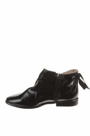Детски обувки Zara, Размер 36, Цвят Черен, Еко кожа, Цена 44,25лв.