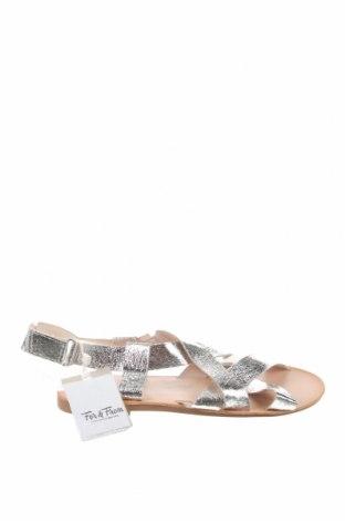Детски сандали Zara, Размер 38, Цвят Сив, Еко кожа, Цена 36,75лв.