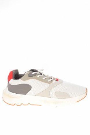 Ανδρικά παπούτσια Bershka, Μέγεθος 44, Χρώμα Λευκό, Κλωστοϋφαντουργικά προϊόντα, δερματίνη, Τιμή 19,16€