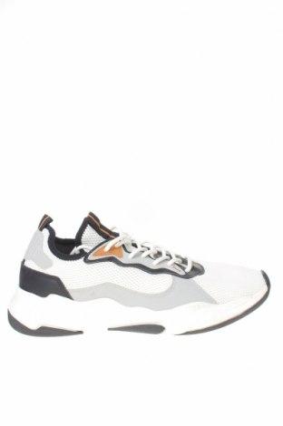 Ανδρικά παπούτσια Bershka, Μέγεθος 43, Χρώμα Λευκό, Κλωστοϋφαντουργικά προϊόντα, δερματίνη, Τιμή 16,88€