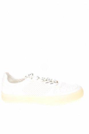 Ανδρικά παπούτσια Bershka, Μέγεθος 40, Χρώμα Λευκό, Δερματίνη, Τιμή 16,88€