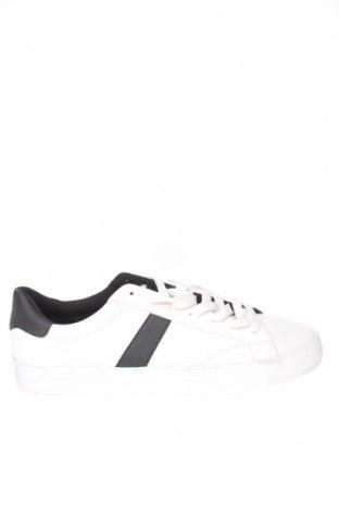 Ανδρικά παπούτσια Bershka, Μέγεθος 44, Χρώμα Λευκό, Δερματίνη, Τιμή 16,88€