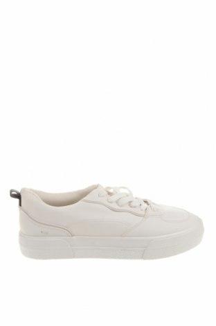 Ανδρικά παπούτσια Bershka, Μέγεθος 42, Χρώμα Λευκό, Δερματίνη, Τιμή 19,16€