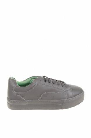 Ανδρικά παπούτσια Bershka, Μέγεθος 41, Χρώμα Γκρί, Δερματίνη, Τιμή 19,16€