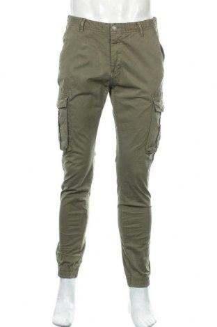 Pantaloni de bărbați Mo, Mărime L, Culoare Verde, 97% bumbac, 3% elastan, Preț 93,36 Lei