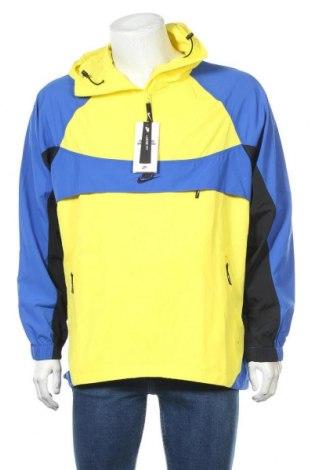Мъжко спортно яке Nike, Размер M, Цвят Многоцветен, Полиамид, Цена 125,37лв.