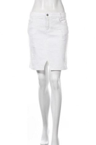 Пола Denim Hunter, Размер M, Цвят Бял, 78% памук, 15% лиосел, 5% полиестер, 2% еластан, Цена 14,75лв.