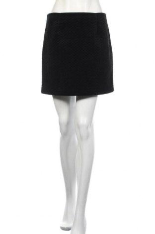 Пола New Look, Размер M, Цвят Черен, 100% полиестер, Цена 22,05лв.