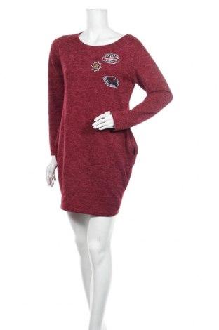 Šaty , Velikost M, Barva Červená, 95% viskóza, 5% elastan, Cena  414,00Kč