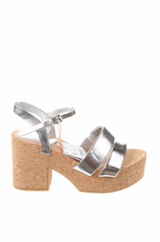 Sandály Stradivarius, Velikost 35, Barva Stříbrná, Eko kůže, Cena  641,00Kč