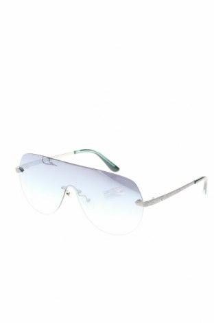 Γυαλιά ηλίου Guess, Χρώμα Ασημί, Τιμή 80,80€