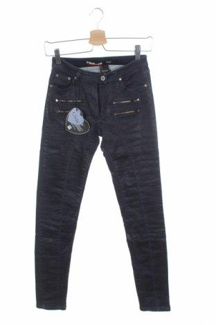 Дамски дънки Please, Размер XS, Цвят Син, 90% памук, 9% полиестер, 1% еластан, Цена 22,35лв.