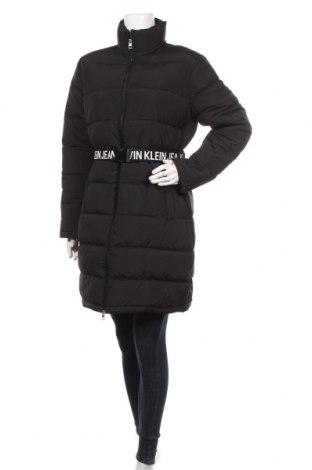 Γυναικείο μπουφάν Calvin Klein Jeans, Μέγεθος M, Χρώμα Μαύρο, Πολυεστέρας, Τιμή 200,52€