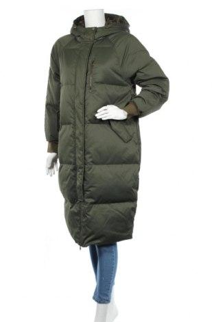 Γυναικείο μπουφάν Gap, Μέγεθος S, Χρώμα Πράσινο, Πολυεστέρας, φτερά και πούπουλα, Τιμή 98,97€