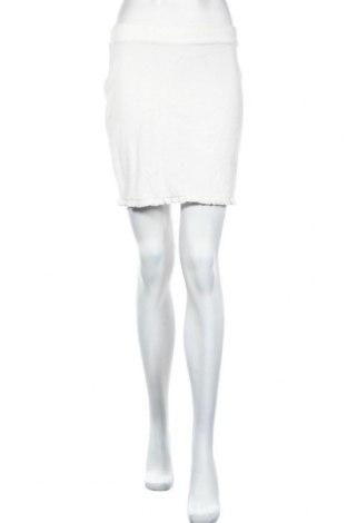 Пола Double Zero, Размер M, Цвят Бял, 95% полиестер, 5% еластан, Цена 3,00лв.
