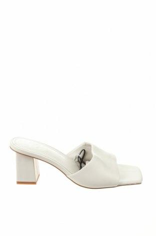 Γυναικείες παντόφλες Zara, Μέγεθος 39, Χρώμα Εκρού, Γνήσιο δέρμα, Τιμή 12,86€