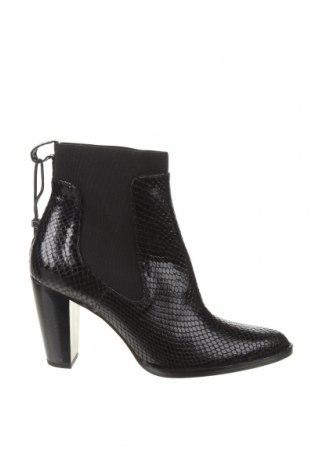 Дамски боти Zara, Размер 39, Цвят Черен, Естествена кожа, Цена 104,25лв.