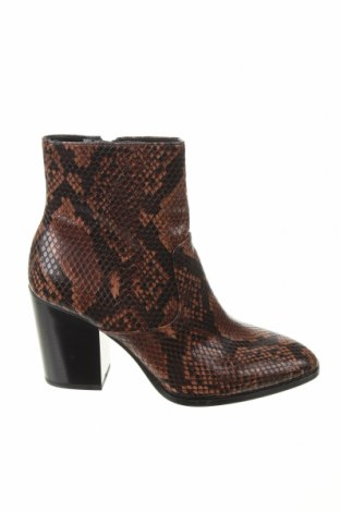 Дамски боти Zara, Размер 37, Цвят Многоцветен, Еко кожа, Цена 48,95лв.