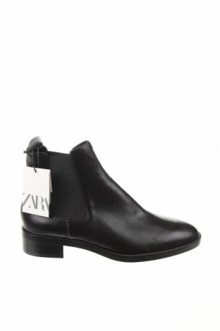 Дамски боти Zara, Размер 40, Цвят Черен, Естествена кожа, Цена 59,60лв.