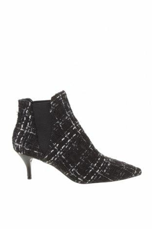 Botine de damă Zara, Mărime 37, Culoare Negru, Textil, Preț 85,76 Lei