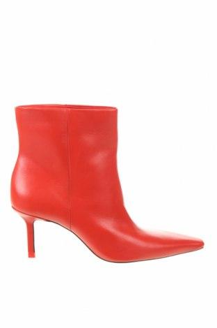 Дамски боти Zara, Размер 39, Цвят Червен, Естествена кожа, Цена 31,80лв.