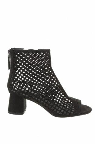 Γυναικεία μποτάκια Zara, Μέγεθος 37, Χρώμα Μαύρο, Κλωστοϋφαντουργικά προϊόντα, Τιμή 18,32€