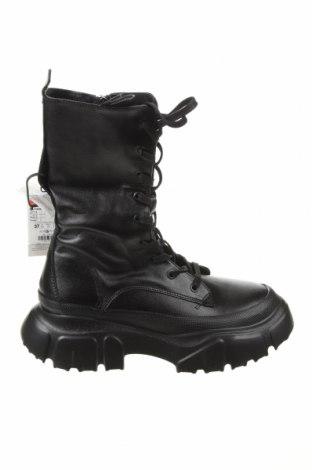 Γυναικείες μπότες Zara, Μέγεθος 37, Χρώμα Μαύρο, Γνήσιο δέρμα, Τιμή 76,94€