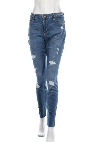 Дамски дънки Hollister, Размер XL, Цвят Син, 79% памук, 18% полиестер, 2% вискоза, 1% еластан, Цена 51,75лв.