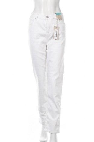 Дамски дънки Marks & Spencer, Размер L, Цвят Бял, 83% памук, 15% полиестер, 2% еластан, Цена 46,50лв.