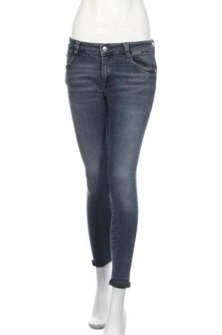 Дамски дънки Mavi, Размер M, Цвят Син, 98% памук, 2% еластан, Цена 33,30лв.