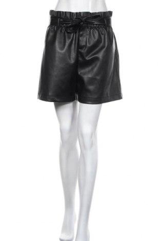 Pantaloni scurți de piele barbați Vero Moda, Mărime L, Culoare Negru, Piele ecologică, Preț 135,86 Lei