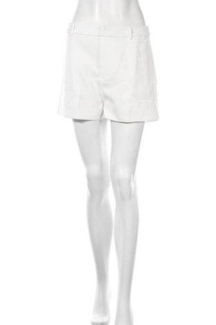Pantaloni scurți de femei Glamorous, Mărime M, Culoare Alb, Poliester, Preț 96,71 Lei