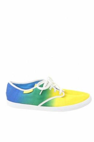 Încălțăminte de damă Adidas, Mărime 39, Culoare Multicolor, Textil, Preț 133,22 Lei
