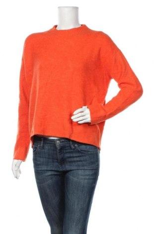 Дамски пуловер Uniqlo, Размер M, Цвят Оранжев, 60% акрил, 30% полиамид, 8% вълна, 2% еластан, Цена 29,40лв.