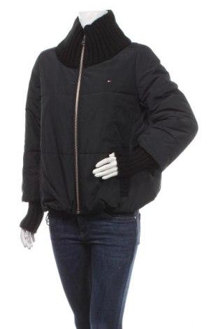 Дамско яке Tommy Hilfiger, Размер S, Цвят Черен, Полиестер, Цена 314,25лв.