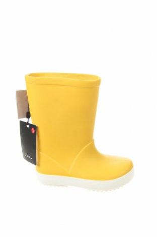 Детски обувки Zara, Размер 22, Цвят Жълт, Полиуретан, Цена 37,95лв.