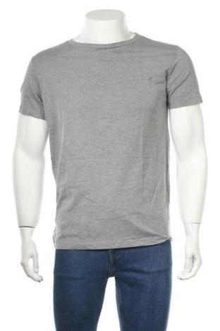 Мъжка тениска Replay, Размер M, Цвят Сив, 75% памук, 25% полиестер, Цена 35,28лв.