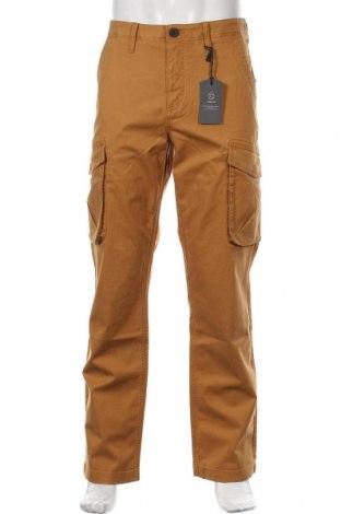 Pantaloni de bărbați Timberland, Mărime M, Culoare Maro, 97% bumbac, 3% elastan, Preț 210,76 Lei