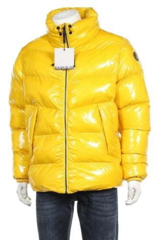 Мъжко яке Napapijri, Размер L, Цвят Жълт, Полиамид, Цена 211,60лв.
