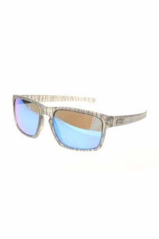 Слънчеви очила Oakley, Цвят Сив, Цена 141,75лв.