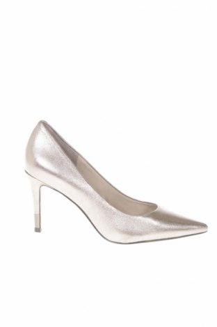 648f3c8a6e Dámske topánky Guess - za výhodnú cenu na Remix -  8181402