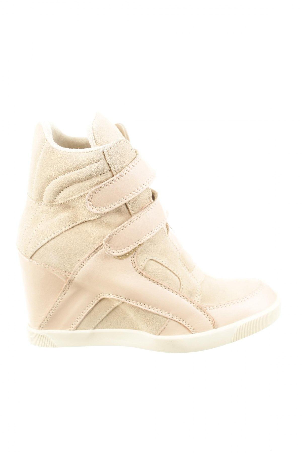 5a7d7034e77e Dámské topánky Buffalo - za výhodnú cenu na Remix -  102685161