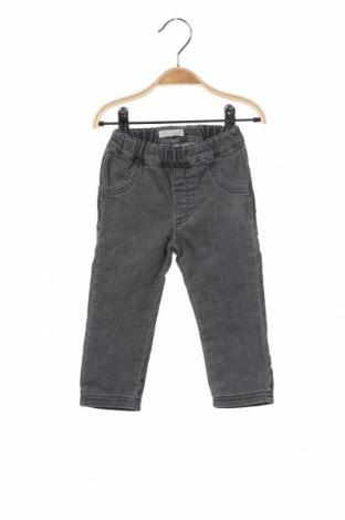 Детски дънки Belly Button, Размер 12-18m/ 80-86 см, Цвят Сив, 98% памук, 2% еластан, Цена 14,72лв.