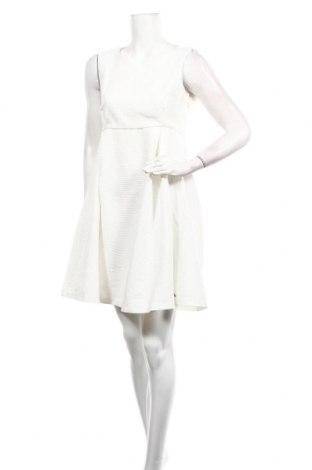 Рокля Belly Button, Размер M, Цвят Бял, 78% полиестер, 22% вискоза, Цена 9,60лв.
